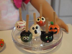 Photo: Cake balls.