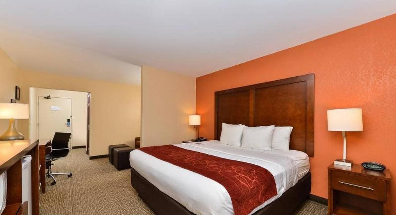 Comfort Suites Omaha