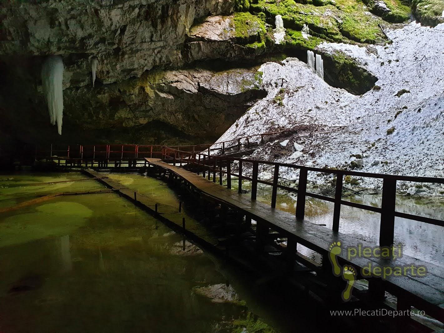 de vizitat muntii apuseni pestera ghetarul scarisoara obiective turistice