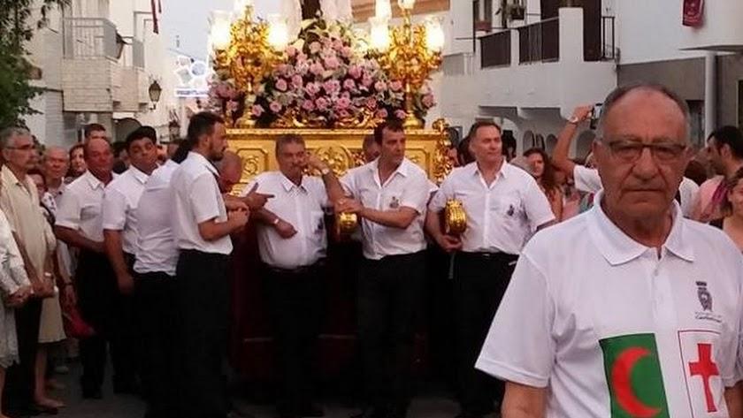 A la derecha, José Fernández en una procesión de San Antonio.