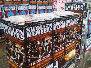 Photo: Oh those naughty and Klassy Berlin German band names: Swollen Members!