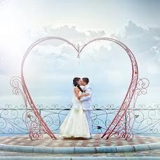 Wedding photographer Maksim Kozyrev (Kozirev). Photo of 16.12.2012