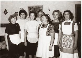 Photo: 1960. Dagmar Nielsen, Mona Bæk, Magda fra Flejsborg, Grethe Mejlstrup. Bagerst er det Jytte Dunn, Anna Bæk, Kine Knudsgård. Indsendt af Mona Bæk