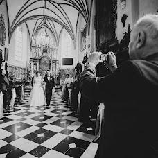 Wedding photographer Piotr Matusewicz (piotrmatusewicz). Photo of 03.01.2016