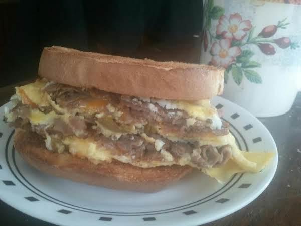 Cheezy Beef Omelette Sandwich