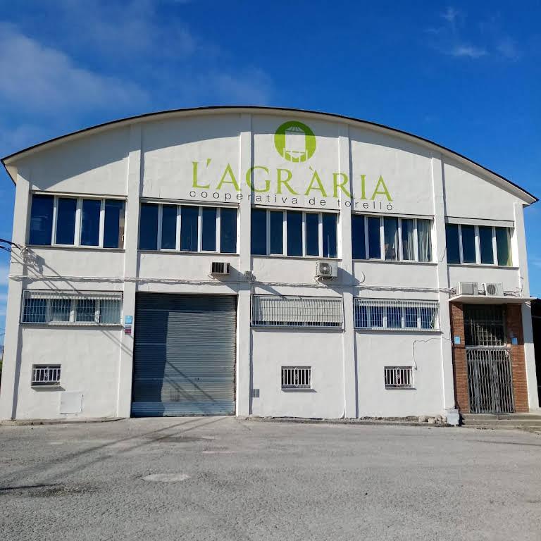 Agrària de Torelló, S.C.C.L. - Fábrica De Piensos en Torelló