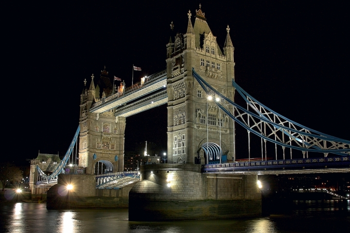 Tower Bridge di daviderm