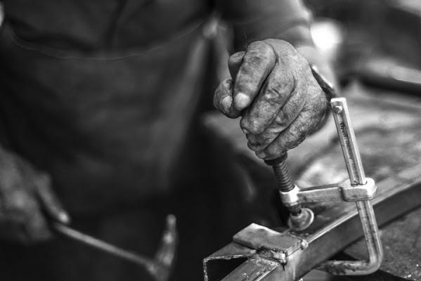 Le mani del nonno di Francesco_Segantini