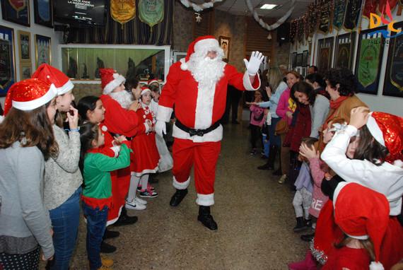 Fiesta de Papá Noel y cena de Navidad