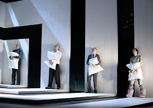 Photo: Wien/ Theater in der Josefstadt: KAFKA - EIN PROJEKT VON ELMAR GOERDEN. Premiere 25.4.2015. Regie: Elmar Goerden. Peter Kremer, Toni Slama, Andre Pohl, Alexander Absenger. Foto: Barbara Zeininger