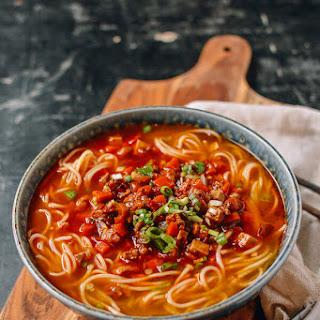 Shanghai Hot Sauce Noodles (上海辣酱面).