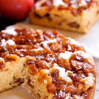 Instant Pot Apple Cinnamon Cake.