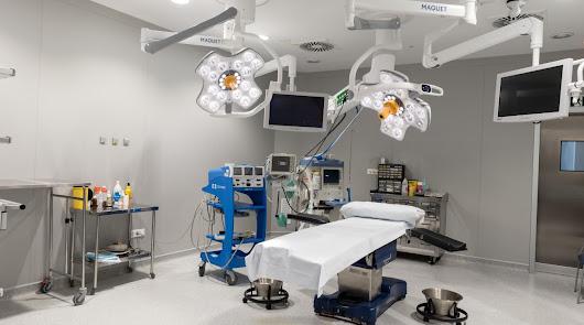 El Hospital HLA Mediterráneo ya puede realizar implantes de tejido óseo