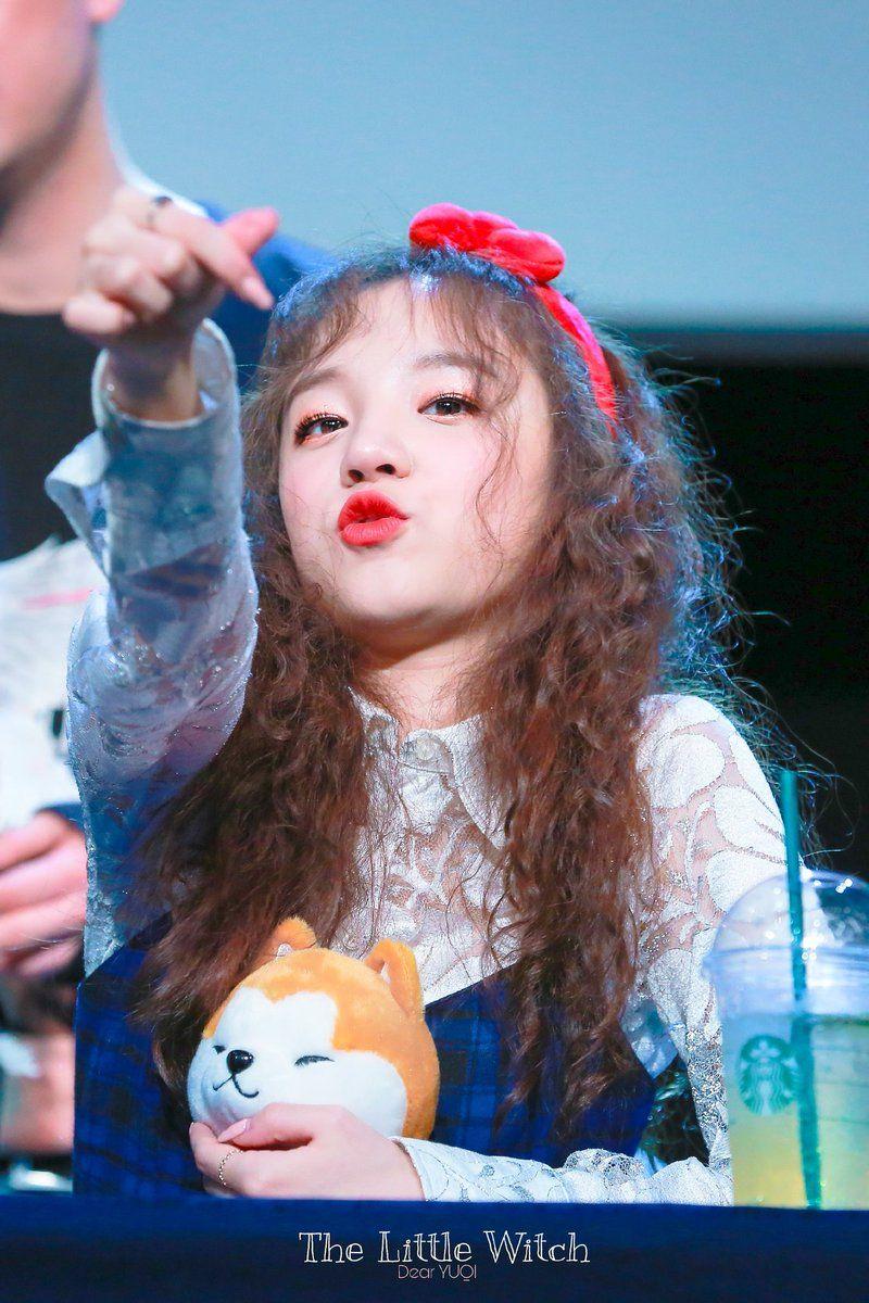cute idol 21