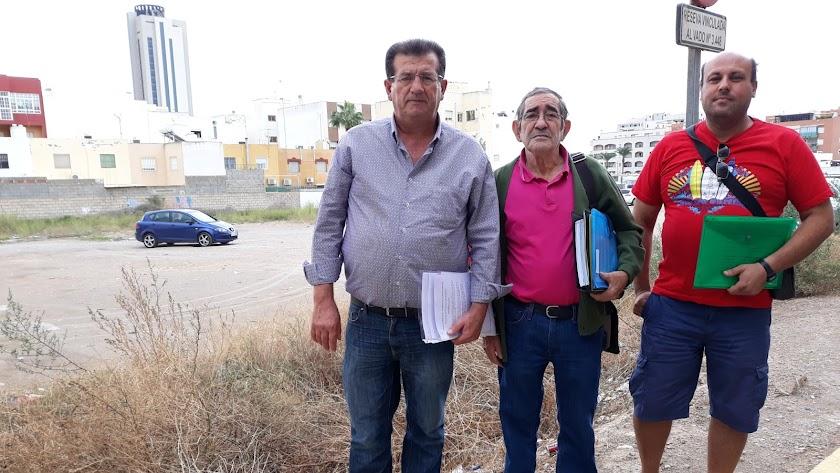 El barrio de Las Palmeras pide soluciones