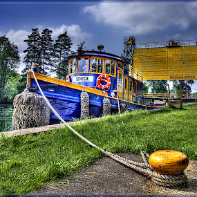 The Tug Seneca on the Eric Canal by Peter Christoph - Transportation Boats