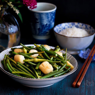 Garlic Scape and Scallop Stir Fry