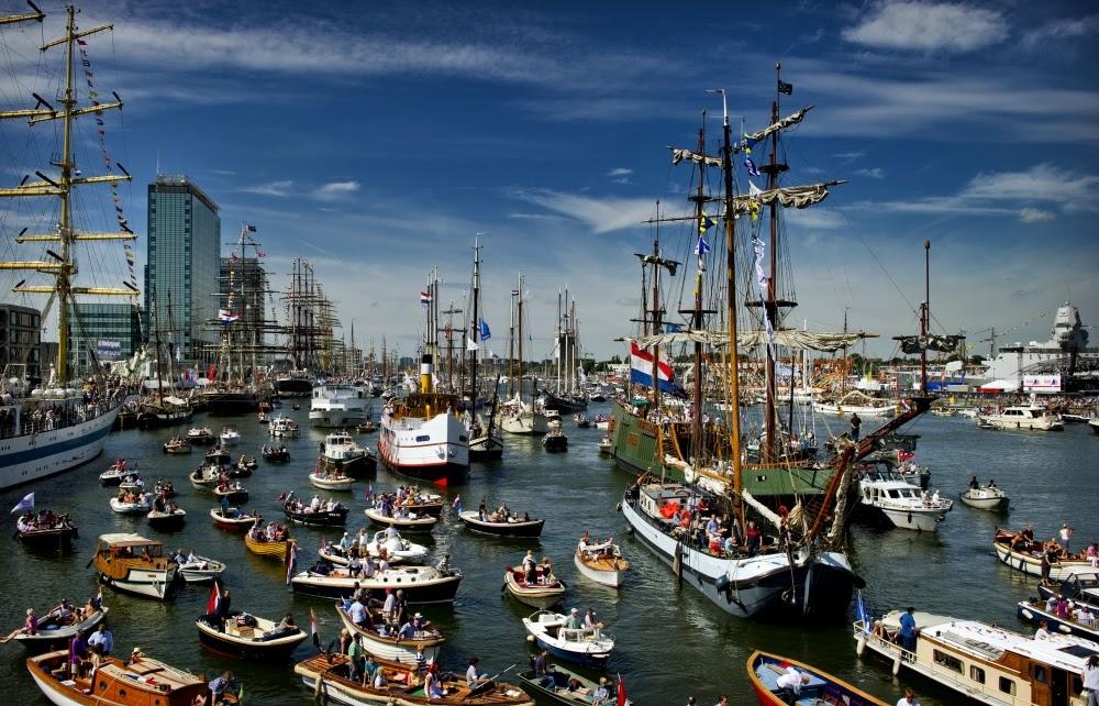 cTVzHvwh3h40EDtejI4RB55Khvo1wnMs3KQXruFnCWI=w1000 h642 no - Фотохроника морского парада в Амстердаме