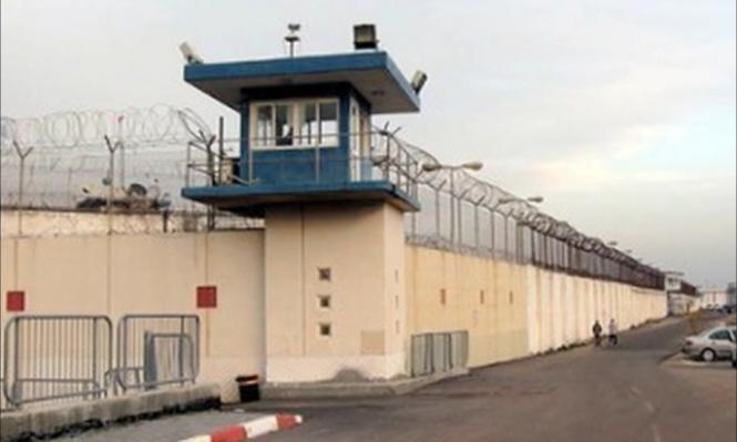الاكتظاظ بسجون الاحتلال يعمق معاناة الأسرى