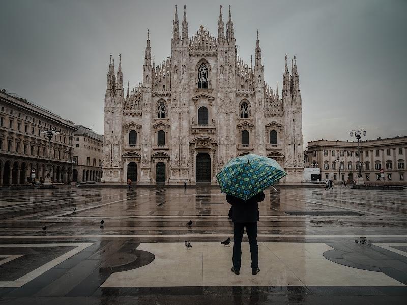 Uomo e Duomo di Milano di Nora_Mahi