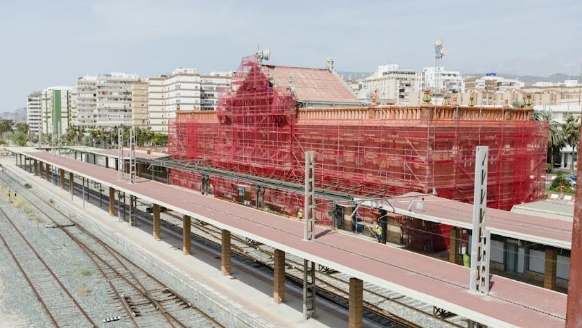 Obras en la vieja estación de ferrocarril.