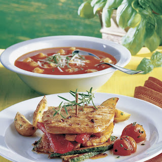 Schnitzeltürmchen mit Paprika und Zucchini