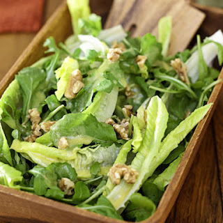 Garden Salad with Walnuts