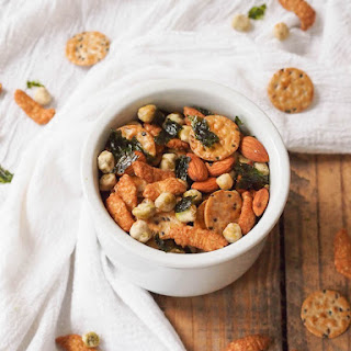 Easy Asian Snack Mix