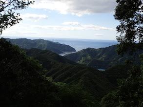 展望所からの眺め(下に歩いてきた稜線)