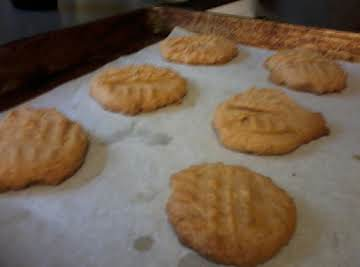 Fast and easy peanut butter cookies