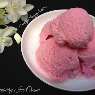 Easy Strawberry Ice Cream.