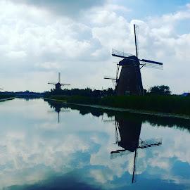Kinderjijk Windmills UNESCO by Lisa Faith-Gregg - Instagram & Mobile iPhone ( kinderdijk, holland, unesco site, canal, windmill )