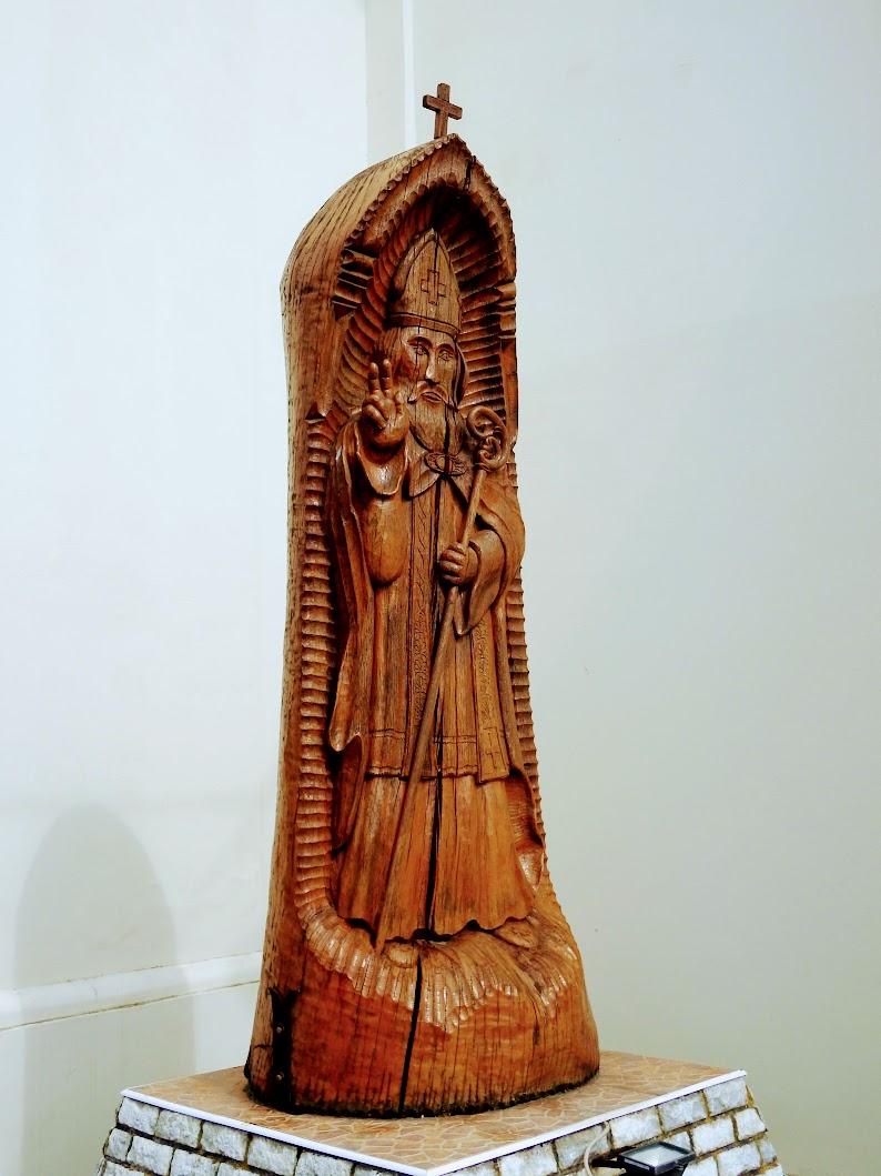 Kenéz - Szent Miklós-szobor