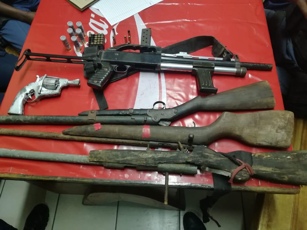 Nagenoeg 200 vuurwapens wat in September deur die KZN-polisie beslag gelê is - SowetanLIVE