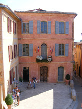 Photo: Roussillon City Hall, in one of the 19 (!) shades of ochre which have been mined near the town.