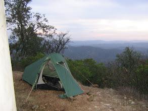 Photo: das erste Camp 9 km hinter Barranco do Velho an einer Windmühle