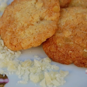 Cookies with Pineapple Chunks