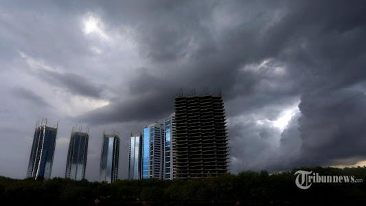Peringatan Dini BMKG Senin, 8 Februari 2021: Cuaca Ekstrem Berpotensi Terjadi di 24 Wilayah Ini - Tribunnews.com
