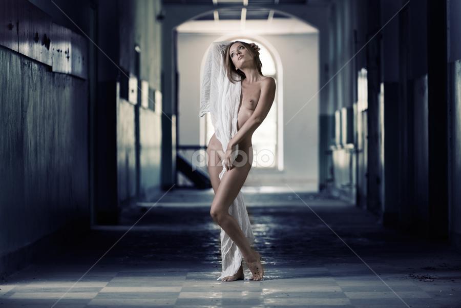 M by Kalin Kostov - Nudes & Boudoir Artistic Nude ( :-) )