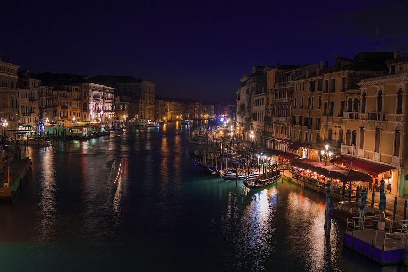 Venice by night di Sara Zanoni