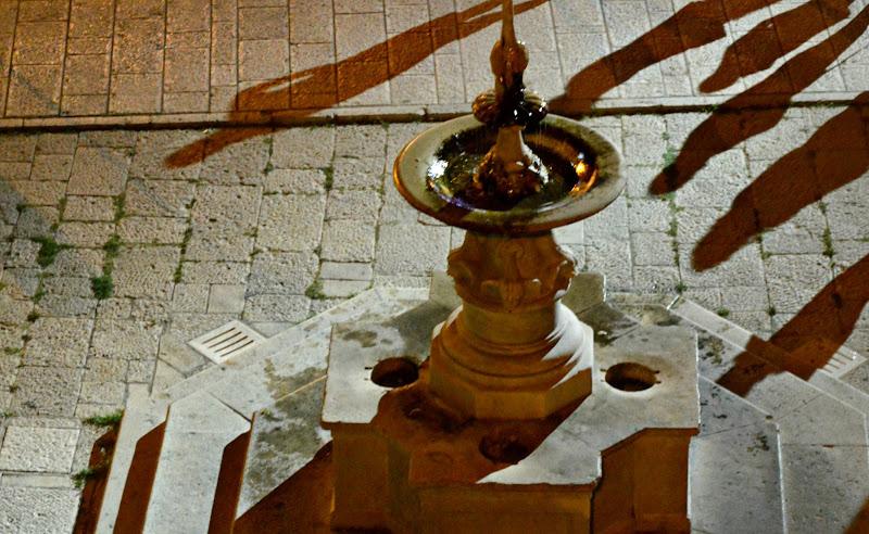Ombre sulla fontana di rossellapaola