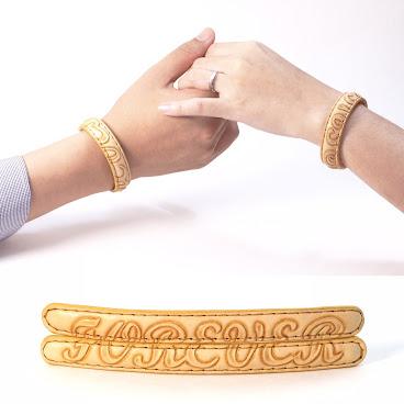 皮雕手獨一對 (可訂造花紋) a pair of leather craft bracelet (pattern can be custom-made)