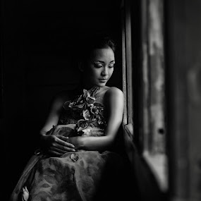 chytra lucy by Bagas Prakoso - People Portraits of Women
