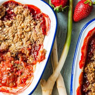 Rhubarb, Strawberry & Ginger Crumble