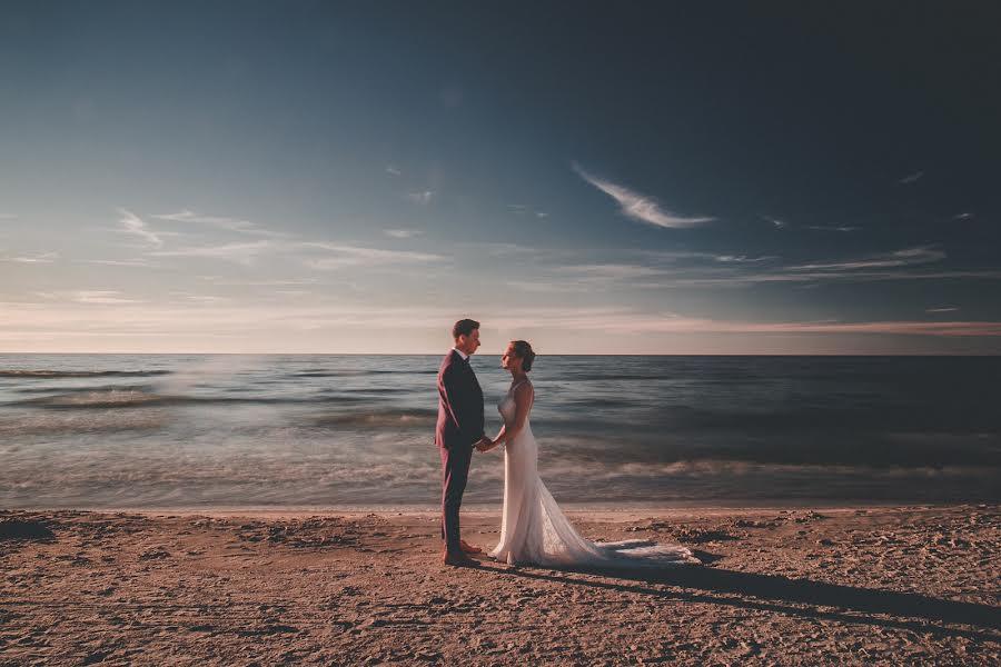 Wedding photographer Tim Demski (timdemski). Photo of 01.08.2017