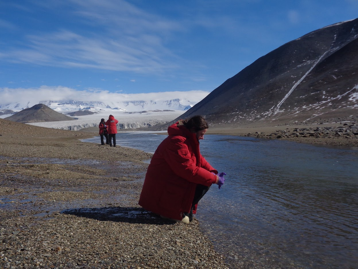 Biologists in Antarctica: Greetings from the Antarctic Dry Valleys! (from  Josh Darling)