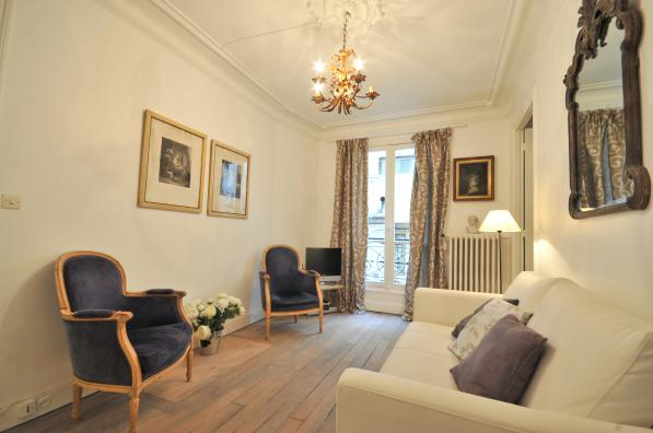 Living area at 2 Bedroom Apartment in Louvre & Les Halles