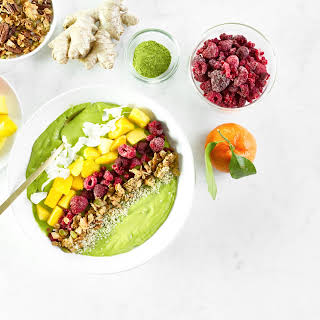 New Year Glow Smoothie Bowl.