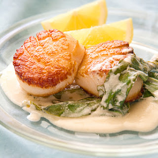 Scallops with Sorrel Cream Sauce
