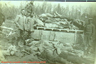 Photo: Totenbergung an der Front Belgien Frankreich RIR 266